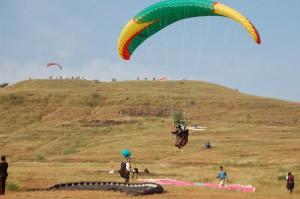 Paragliding saputara