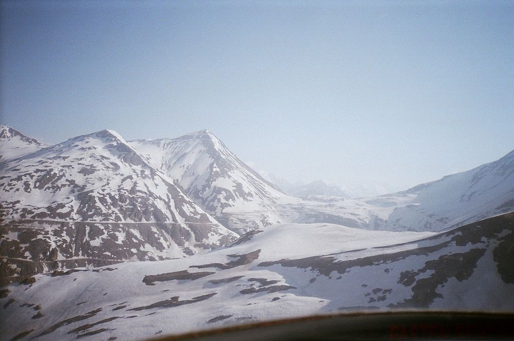 Aerail_view_of_Lahaul_valley_in_winter