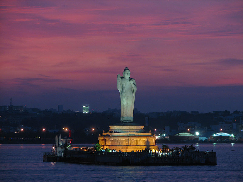 Hussain_Sagar_lake,_Hyderabad