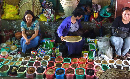 India-New-Market-Aizawl-Mizoram-spices_Vanessa-Betts_web