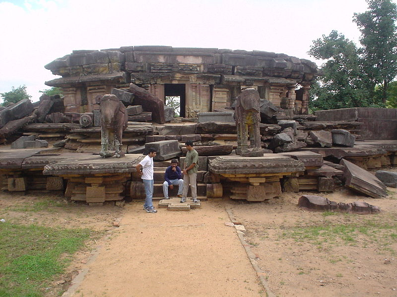Ramappa_Temple_Entrance_Structure_from_Inside_the_Temple