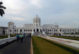 Ujjayanta palace is the largest museum in Northeast India