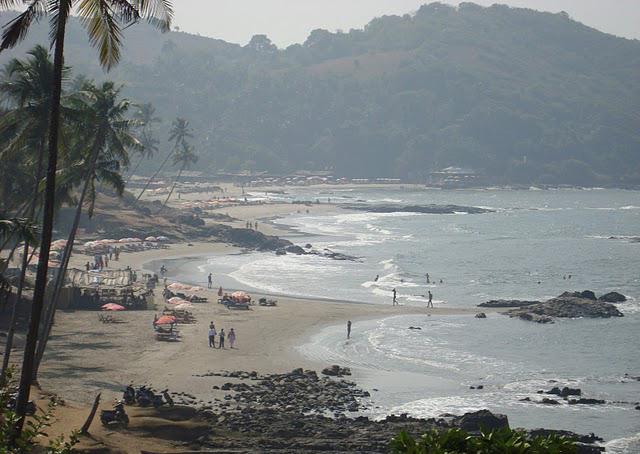 Vagatore_beach