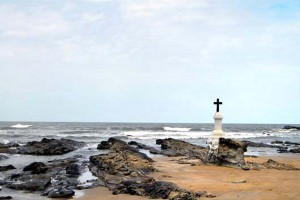 cross at morjim beach goa