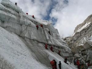 ice climbing himalayan mountaineering institute