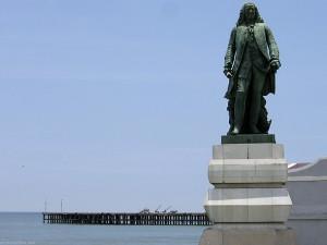 pondicherry statue