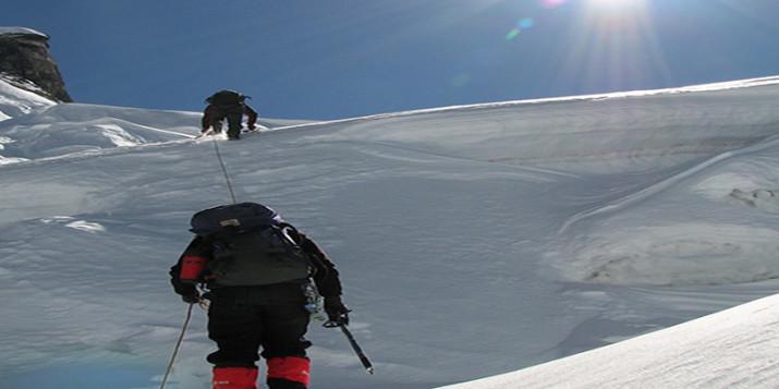 sikkim-tourist-places-peak-climbing