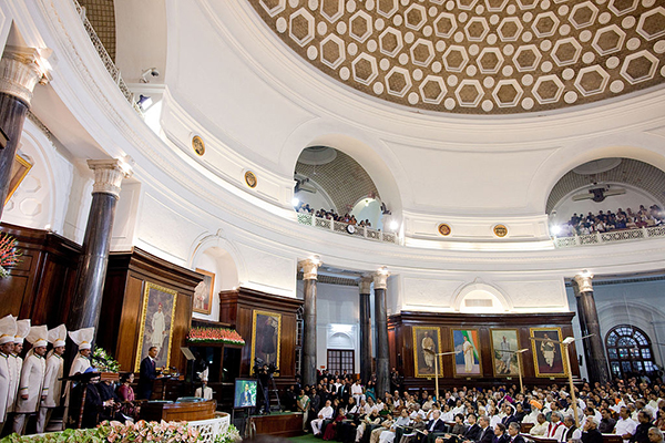 Barack_Obama_at_Parliament_of_India_in_New_Delhi_addressing_Joint_session_of_both_houses_2010