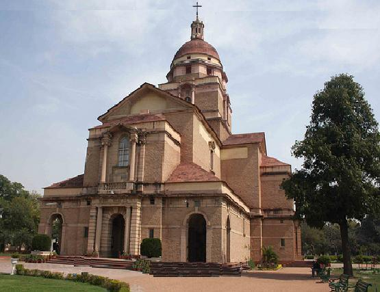 Cathedral_Church_of_the_Redemption_-_New_Delhi
