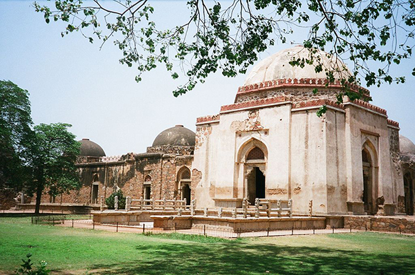 Feroze_Sha's_tomb_with_adjoining_Madrasa