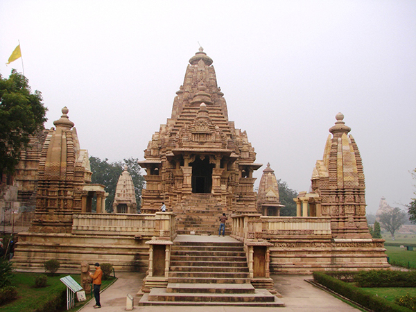 Front-view-of-Lakshmana-Temple-Khajuraho