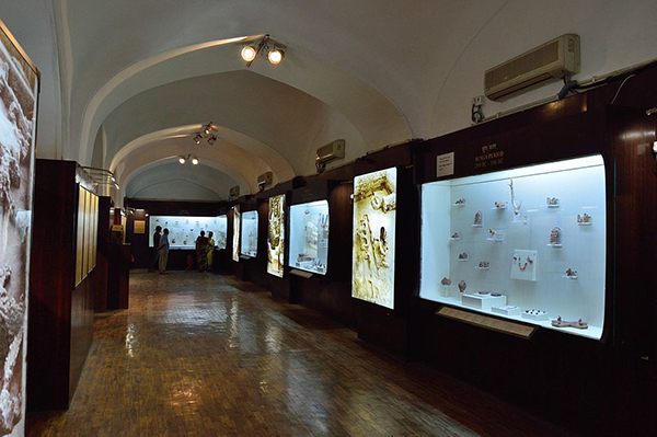 Gallery_-_Archaeological_Museum_-_Old_Fort_-_New_Delhi