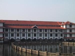 Guruvayur temple pond