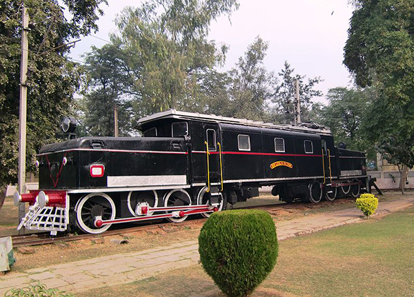 Indian_electric_locomotive