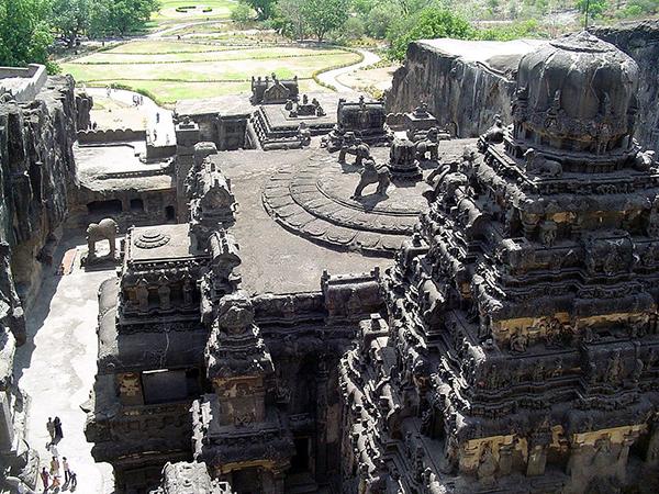 Kailasha_temple_at_ellora