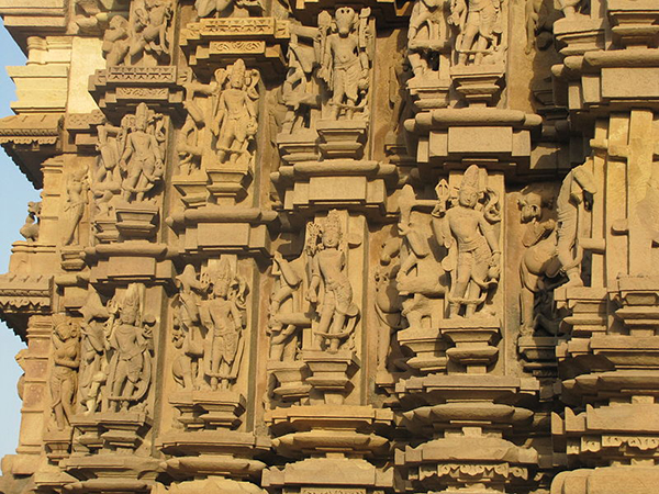 Khajuraho_India_DulaDeo_Temple_Sculptures