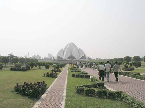 Lotus_Temple,_New_Delhi