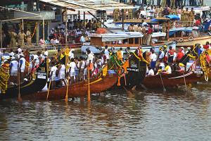 Nehru Trophy Boat Race Waiting to start DSW