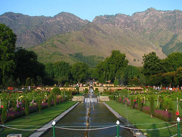 Nishat_Bagh_Mughal_Gardens