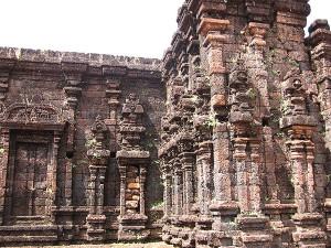 Outer wall Rajarajeshwara Taliparamba