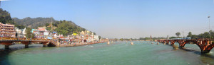 Panoramic of har ki pauri view2