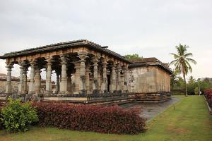Profile of the Parshvanatha basadi at Halebidu