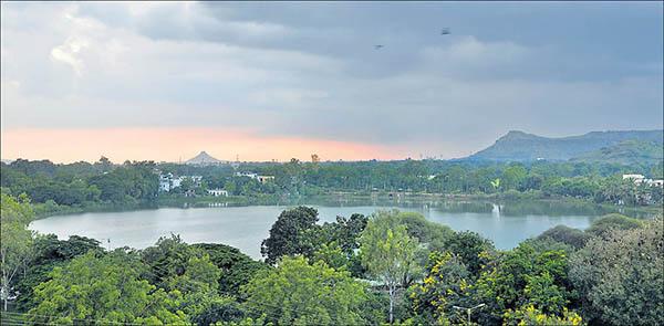 Salim_Ali_Lake
