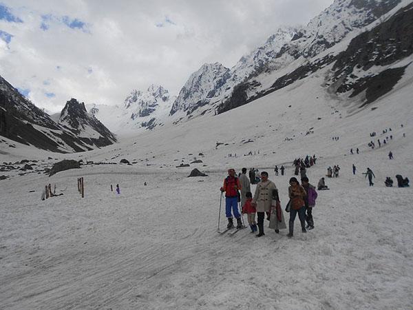 Sonamarg_Thajiwas_glacier