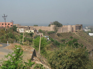 View of Bahu Fort from approach road