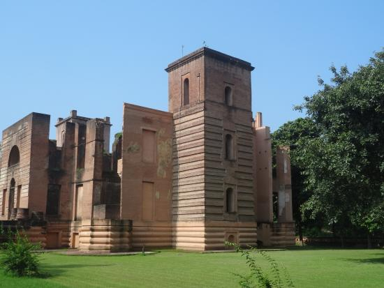 dilkusha-kothi-palace