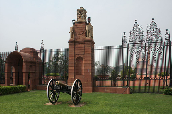 the_entrance_to_Rashtrapati_Bhawan,_Delhi