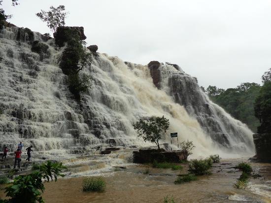 tirathgarh-falls