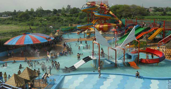 water-parks-in-delhi